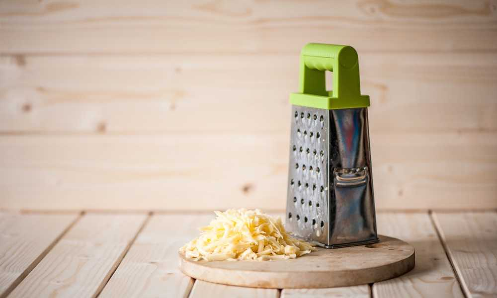 How to Zest a Lemon with a Cheese Grater 2